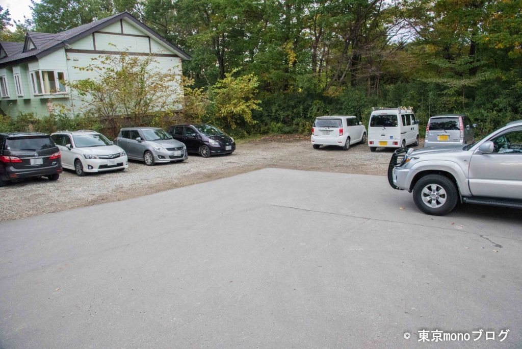 ペニーレインのお店脇の駐車場