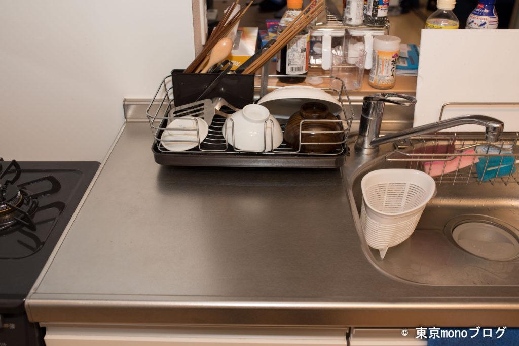 キッチンに水切りを置いた様子