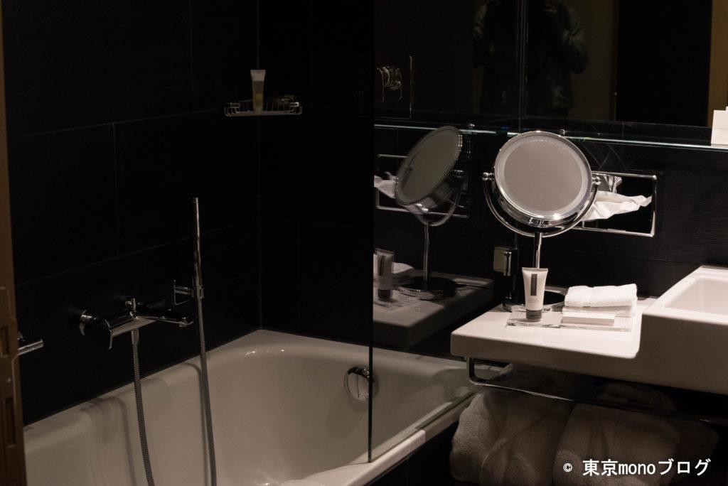 ニラ・アルピナの浴槽の様子。
