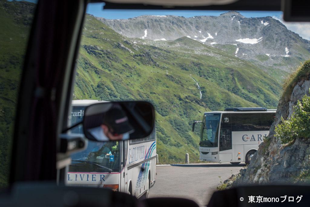 フルカ峠の細い道