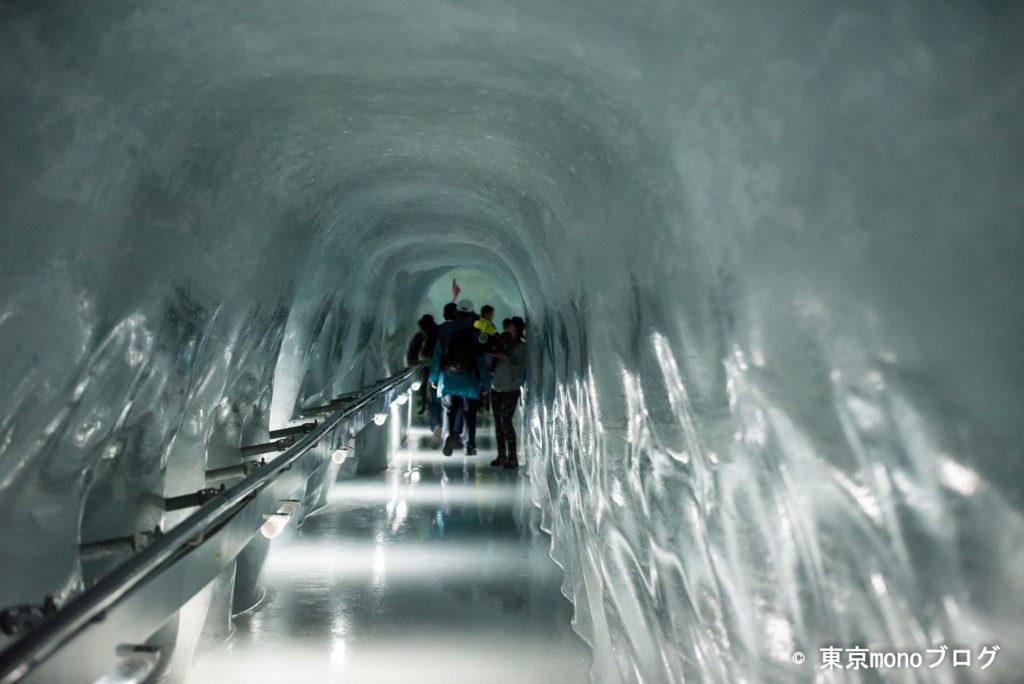 氷河の中のトンネル、アイスパレス。