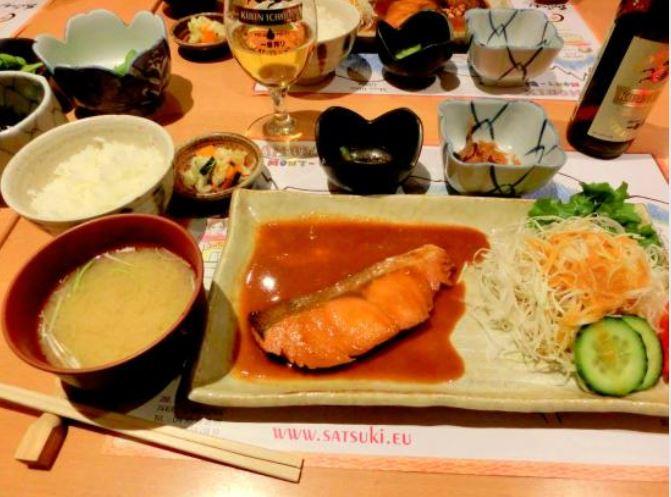 SATSUKI(さつき)のシャケ定食