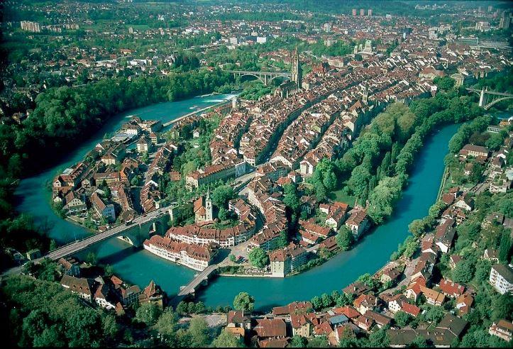 上空から見たベルンの旧市街