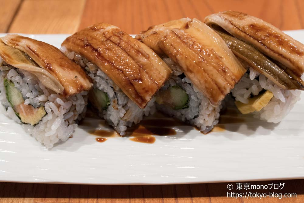 築地玉寿司の「スーパーカリフォルニアロール」