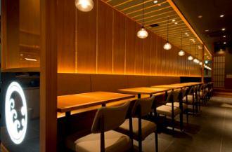 築地玉寿司みなとみらい店の内装